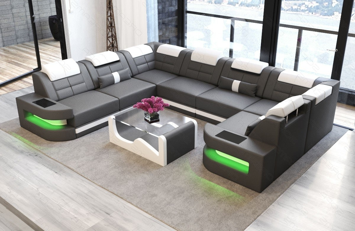 Modern Luxury Sectionals (View 16 of 20)