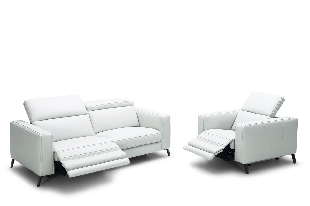 Modern Reclining Leather Sofas For 2019 Divani Casa Roslyn Modern White Leather Sofa Set W/ Recliners (View 7 of 20)