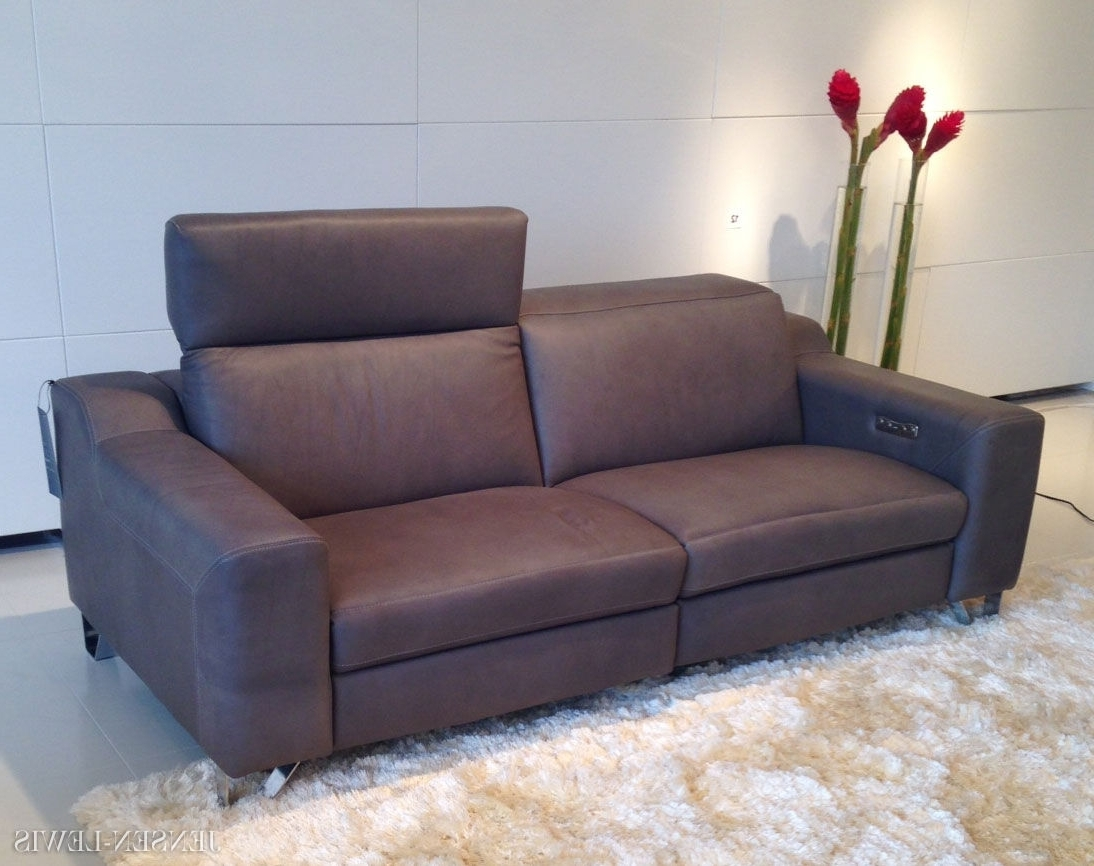 Modern Reclining Leather Sofas Throughout Trendy Small Contemporary Recliners — Radionigerialagos (Gallery 7 of 20)