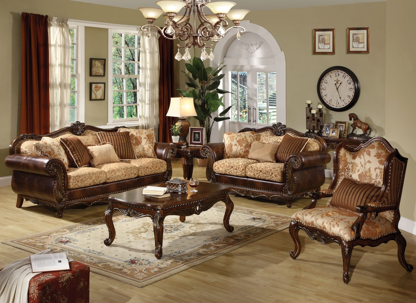 Most Recent Traditional Sofas And Chairs (View 18 of 20)