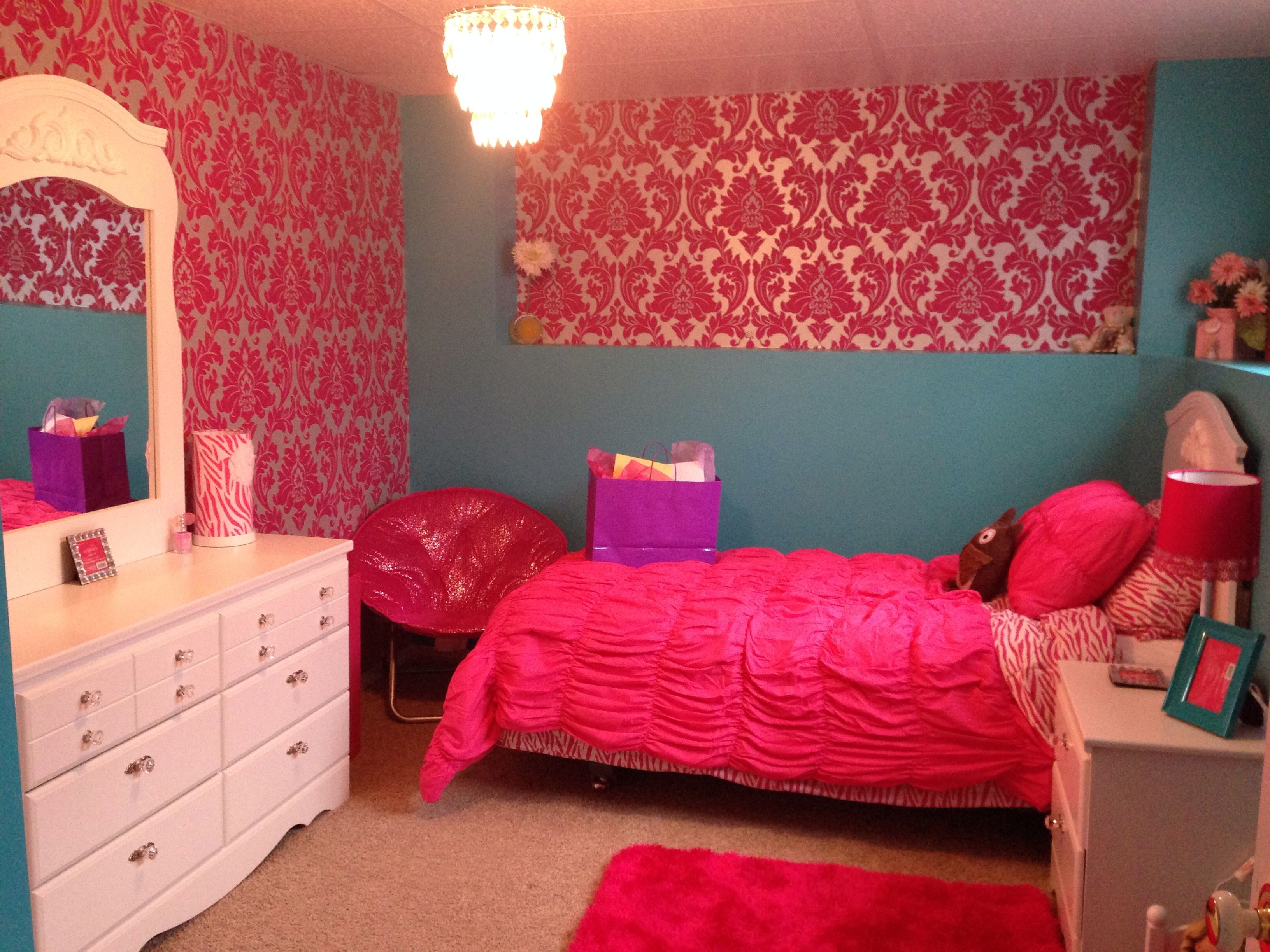 Most Recently Released Girls Bedroom. Turquoise And Hot Pink (View 16 of 20)