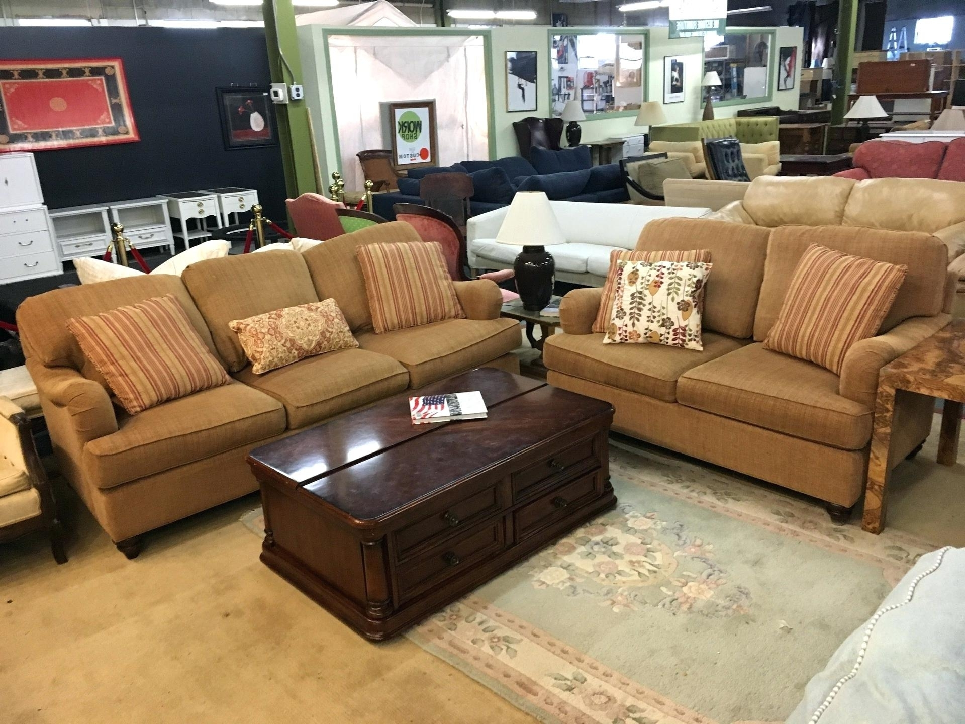 Most Up To Date Bassett Couch – Ncgeconference Pertaining To Vaughan Sectional Sofas (View 4 of 20)
