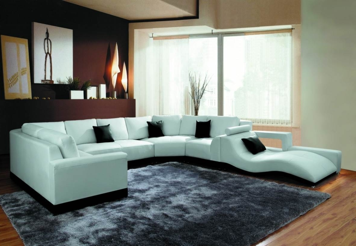 Naindien With Modern U Shaped Sectional Sofas (View 8 of 20)