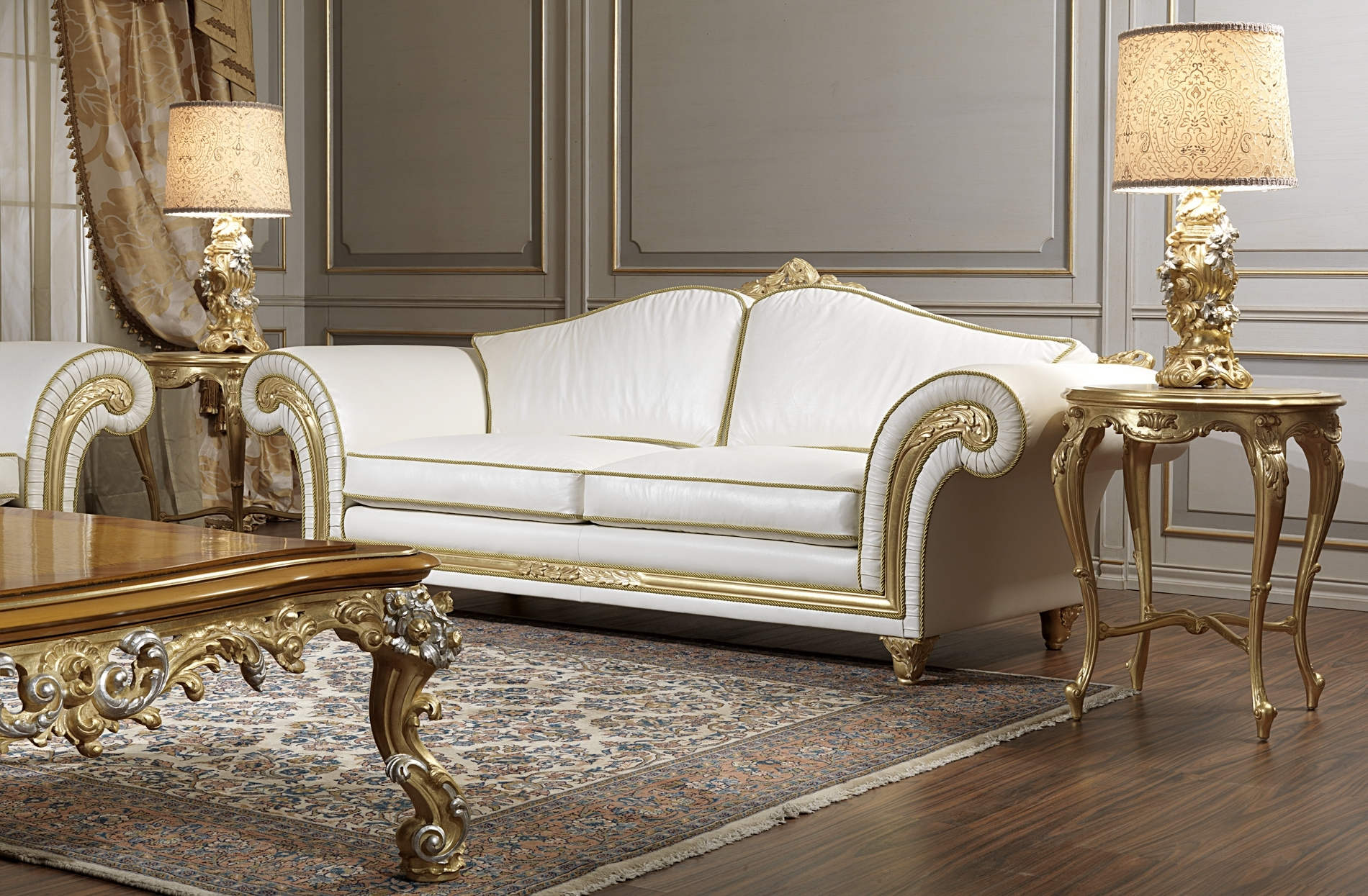 Newest Luxury Sofas Throughout Luxury Sofas In Leather: Classic Style, Modern Beauty (View 7 of 20)