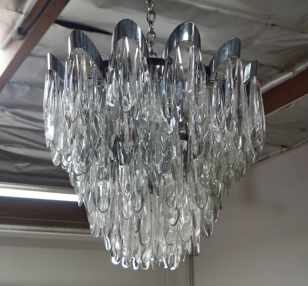 Newest Raindrop Chandelier Elegant 15 Best Ideas Ultra Modern Chandelier For Ultra Modern Chandelier (View 12 of 20)