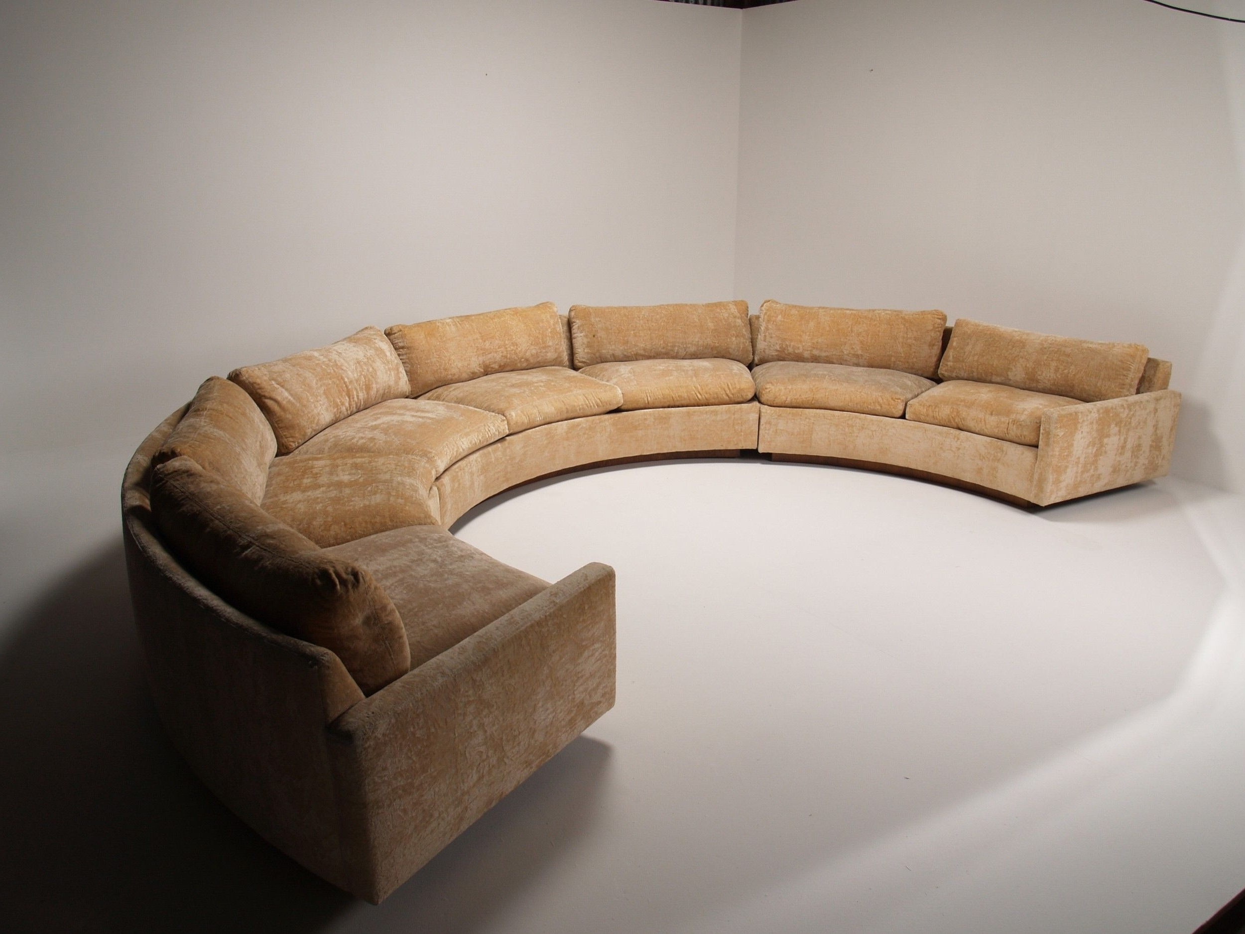 Popular Grey Velvet Curved Couch Without Cushions As Well As In Pertaining To Well Known Semicircular Sofas (View 12 of 20)