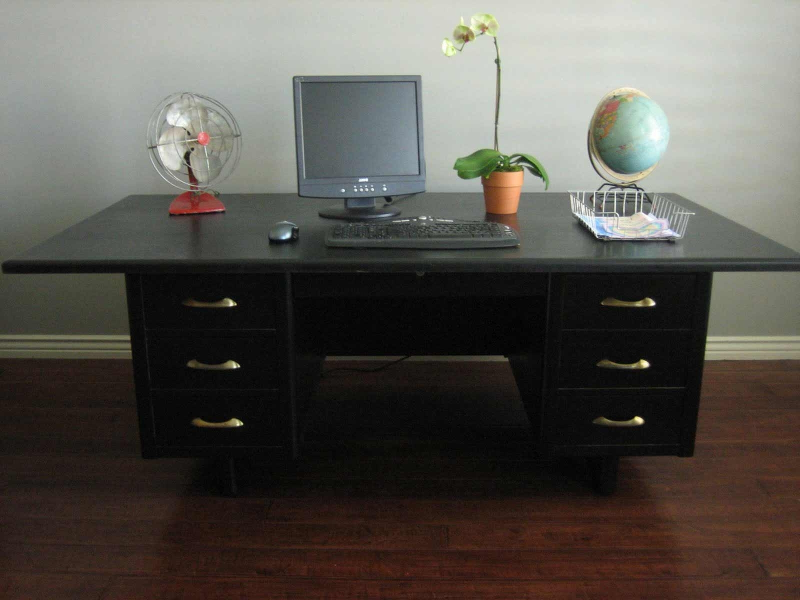 Popular Large Black Computer Desk — Home Design Ideas : How To Hide A Regarding Large Computer Desks (View 19 of 20)