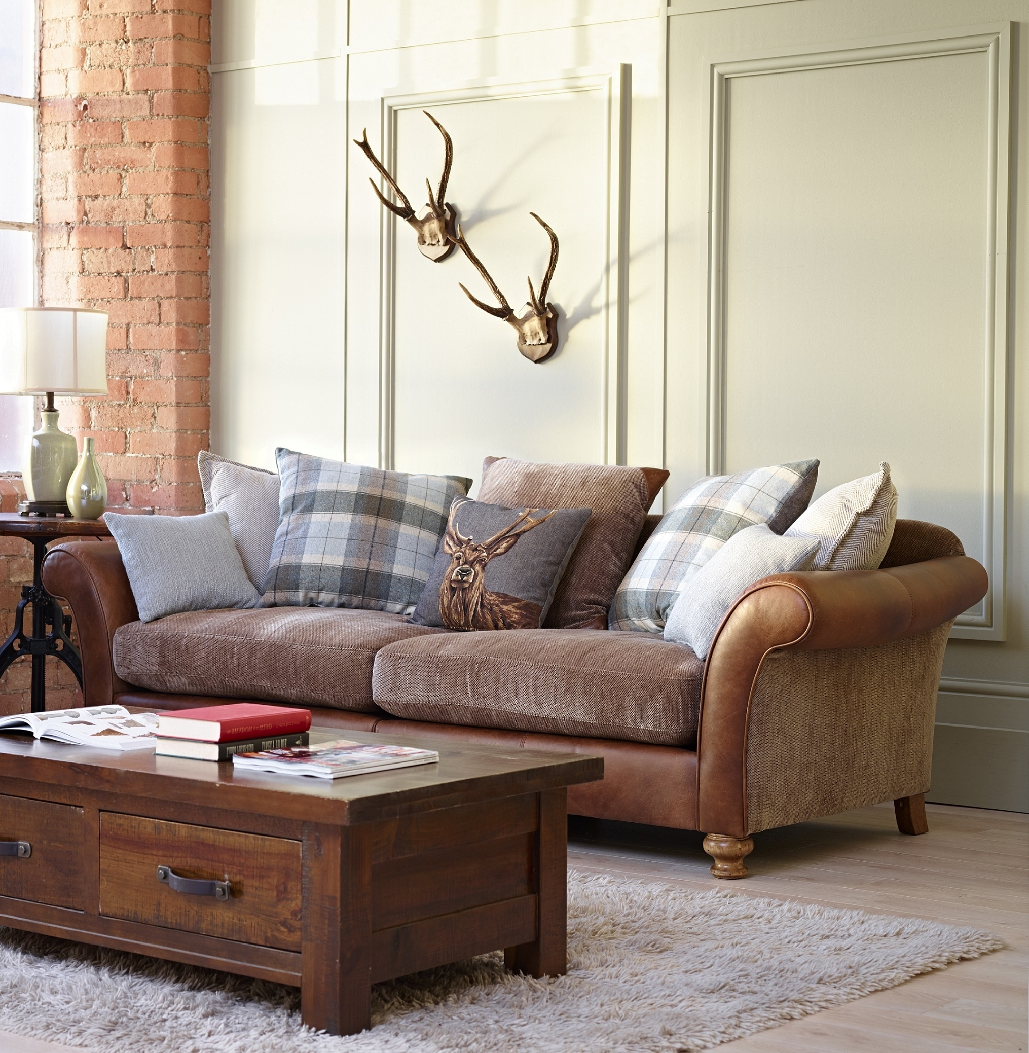 Popular Leather And Cloth Sofa Fabric Sets Sofas Uk Mix Can You Regarding Most Recently Released Leather And Cloth Sofas (View 4 of 20)
