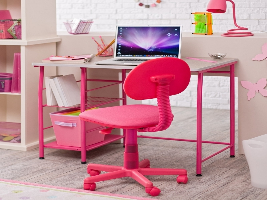 Popular Pretty Computer Desk For Girls Using Pink Swivel Chair And Metal Intended For Pink Computer Desks (View 14 of 20)