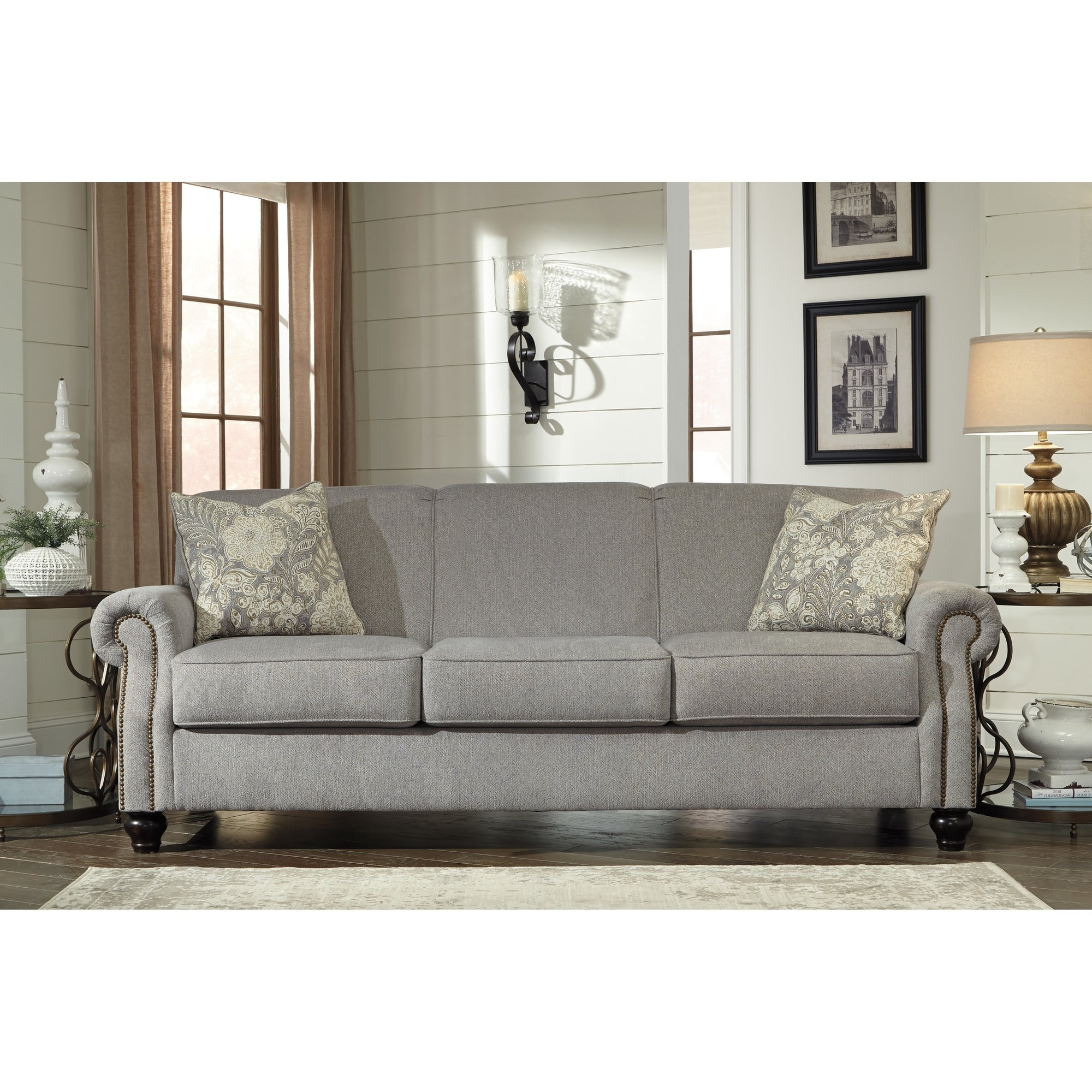 Popular Traditional Sofas Throughout Sofa : Amazing Traditional Sofas On Sale Best Home Design Simple (View 16 of 20)