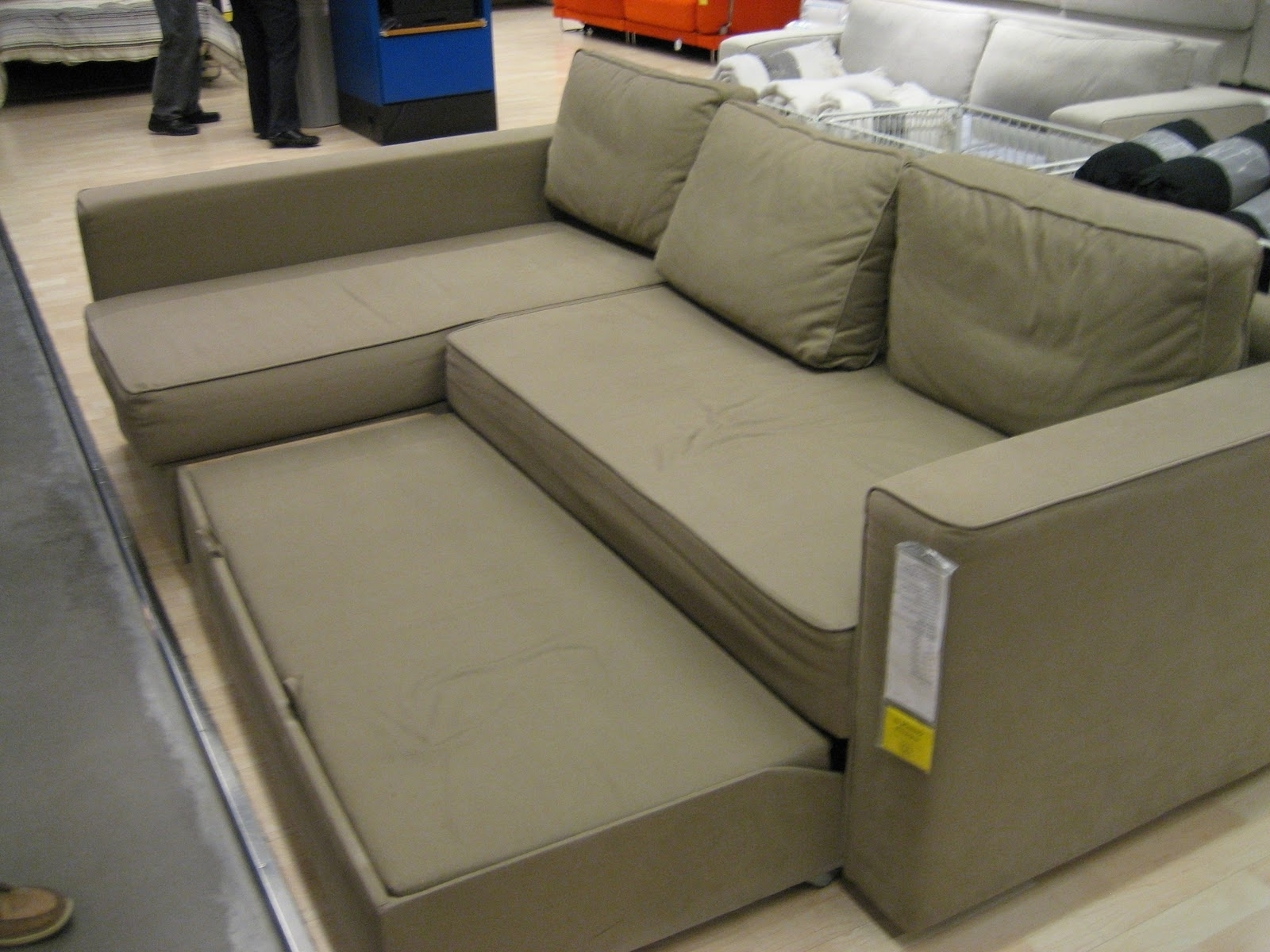 Pull Out Beds Sectional Sofas Intended For Widely Used Sofas : Full Size Pull Out Bed Couch Bed Twin Sleeper Sofa Pull (View 7 of 20)