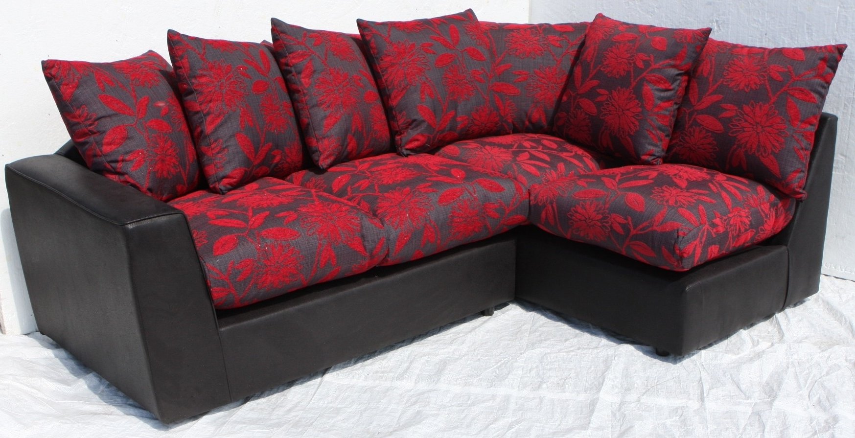 Recent Helibeds Same Day Or Next Day Delivery Of – Sofa's – Harry Corner For Red And Black Sofas (View 11 of 20)