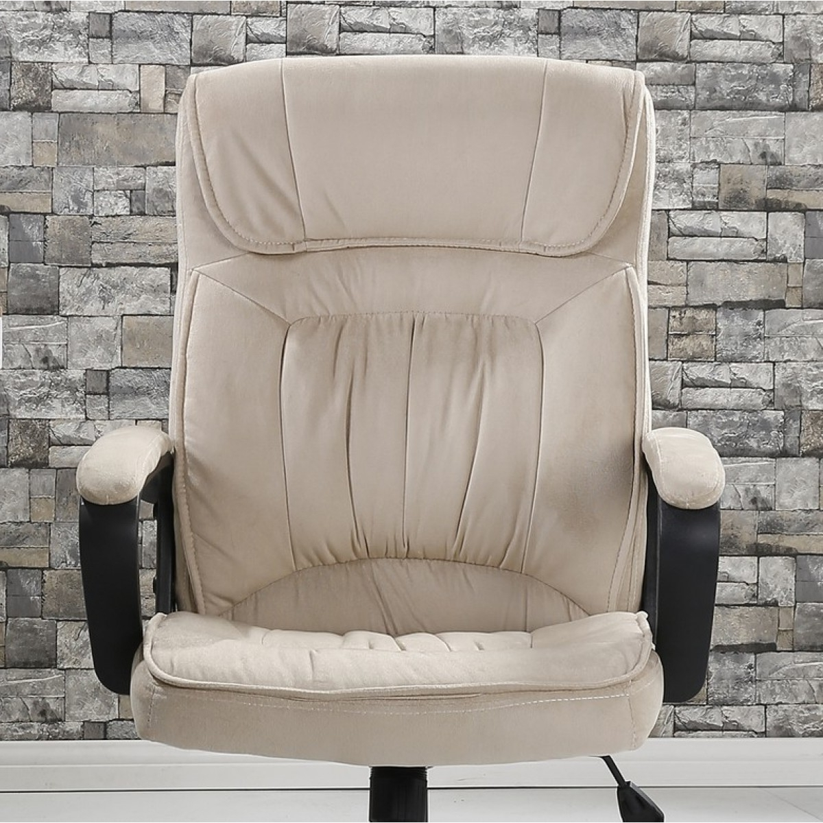 Recent Light Beige Microfiber Executive Office Chairs Regarding Belleze High Back Microfiber Upholstered Contemporary Executive (View 18 of 20)