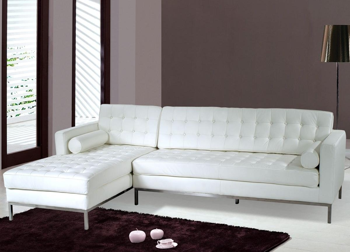 Recent White Sectional Sofas Throughout How To Decorate With A White Sectional Sofa (View 11 of 20)