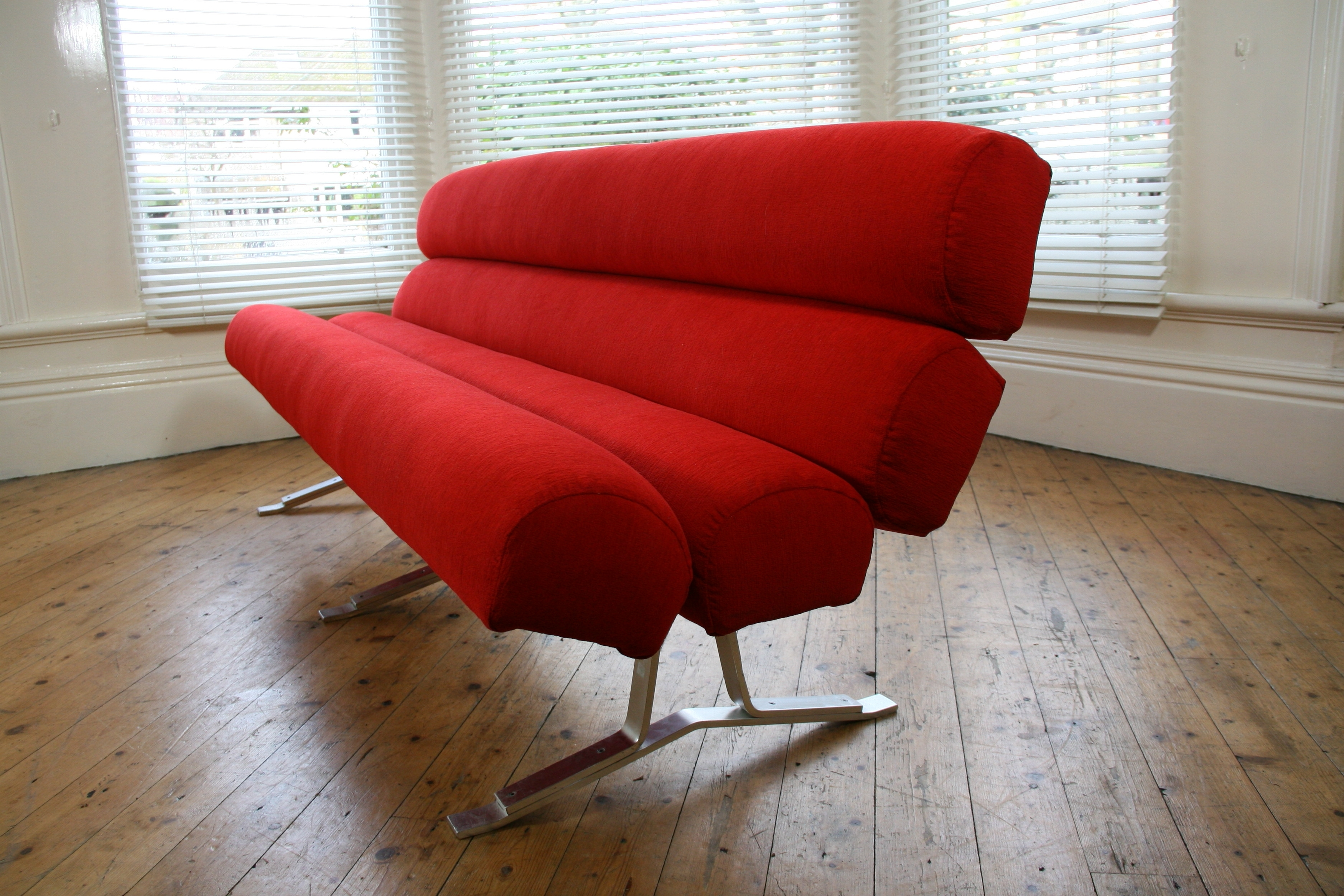 Retro Sofas And Chairs Pertaining To Fashionable Modern Style Furniture Retro With (View 4 of 20)