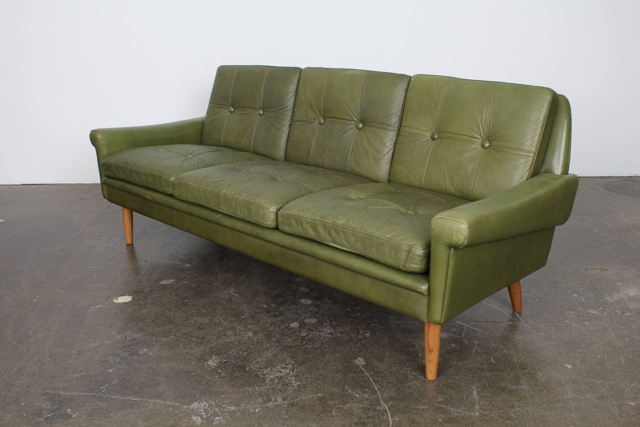 Retro Sofas Within Trendy Sofa : Distressed Green Leather Sofa Green Leather 3 Seater Sofa (View 16 of 20)