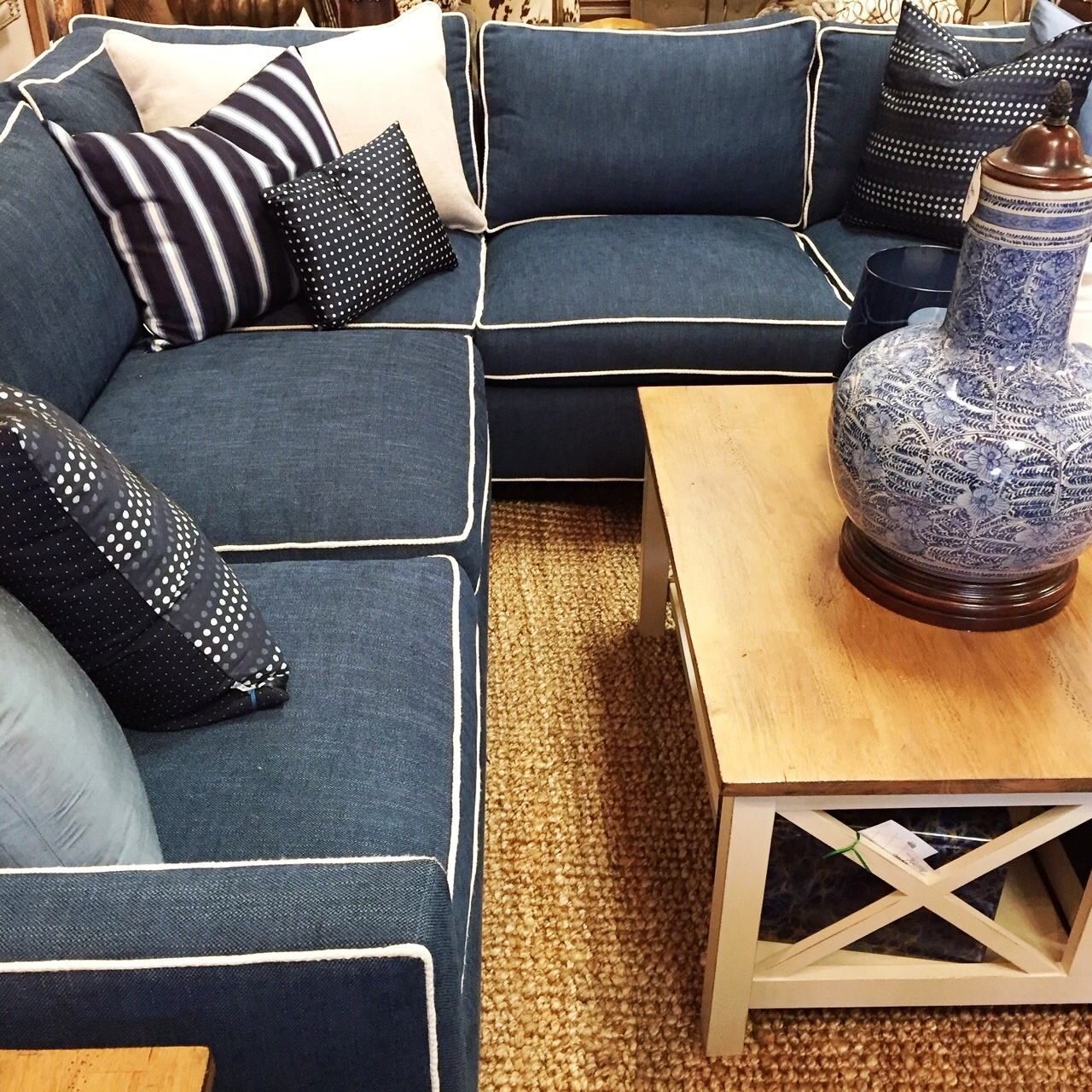 Sectional Sofas In Small Spaces (View 12 of 20)