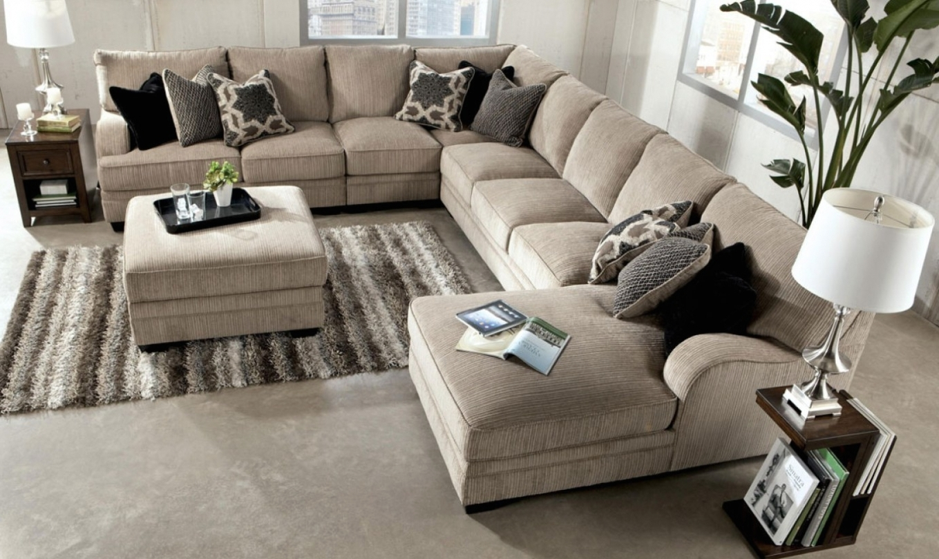 Sectional Sofas Under 1000 Regarding Most Current Home Design: Enormous Sectional Sofa : Alluring Sleeper Sectional (View 7 of 20)