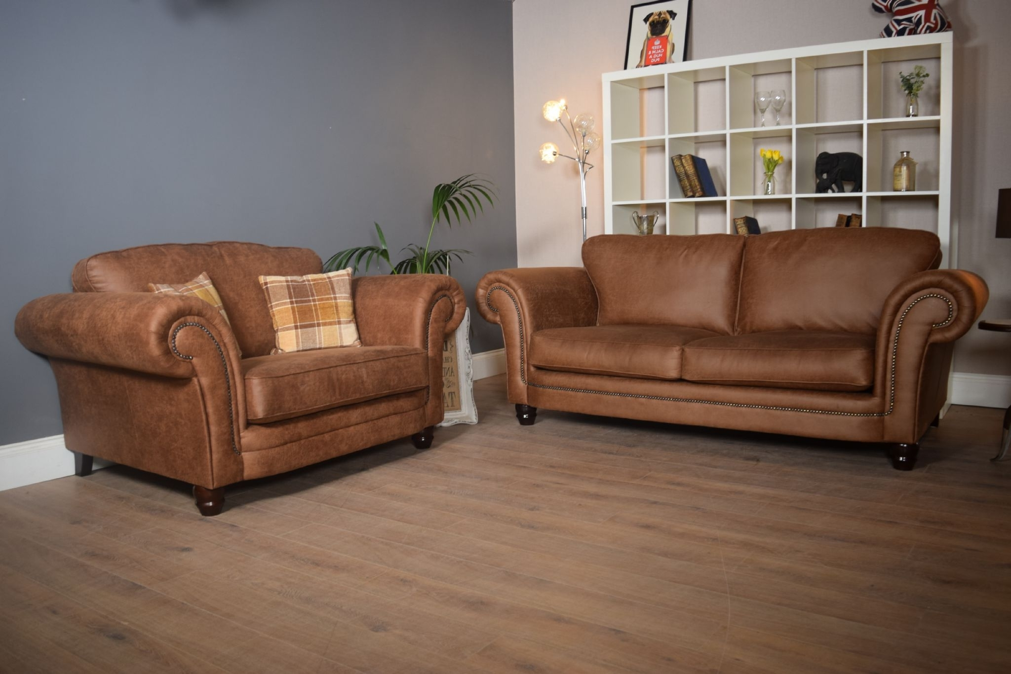 Featured Photo of 3 Seater Sofas And Cuddle Chairs