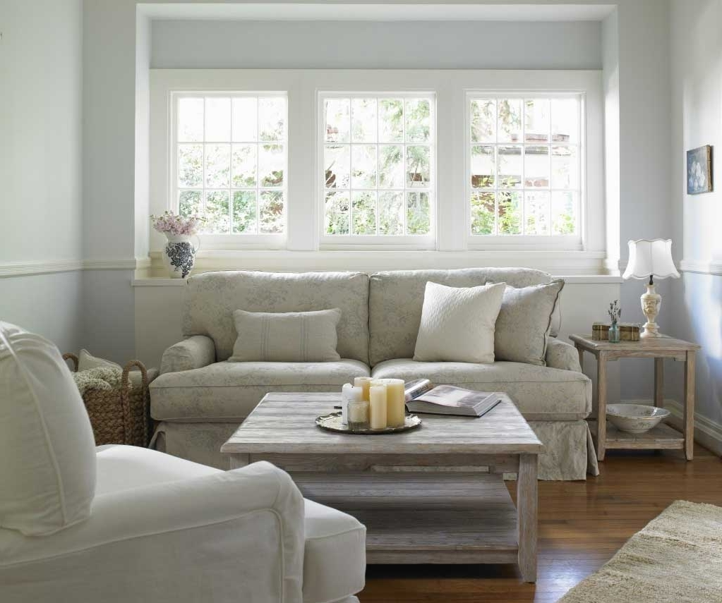 Shabby Chic Sofas With Wooden Coffee Table (View 15 of 20)