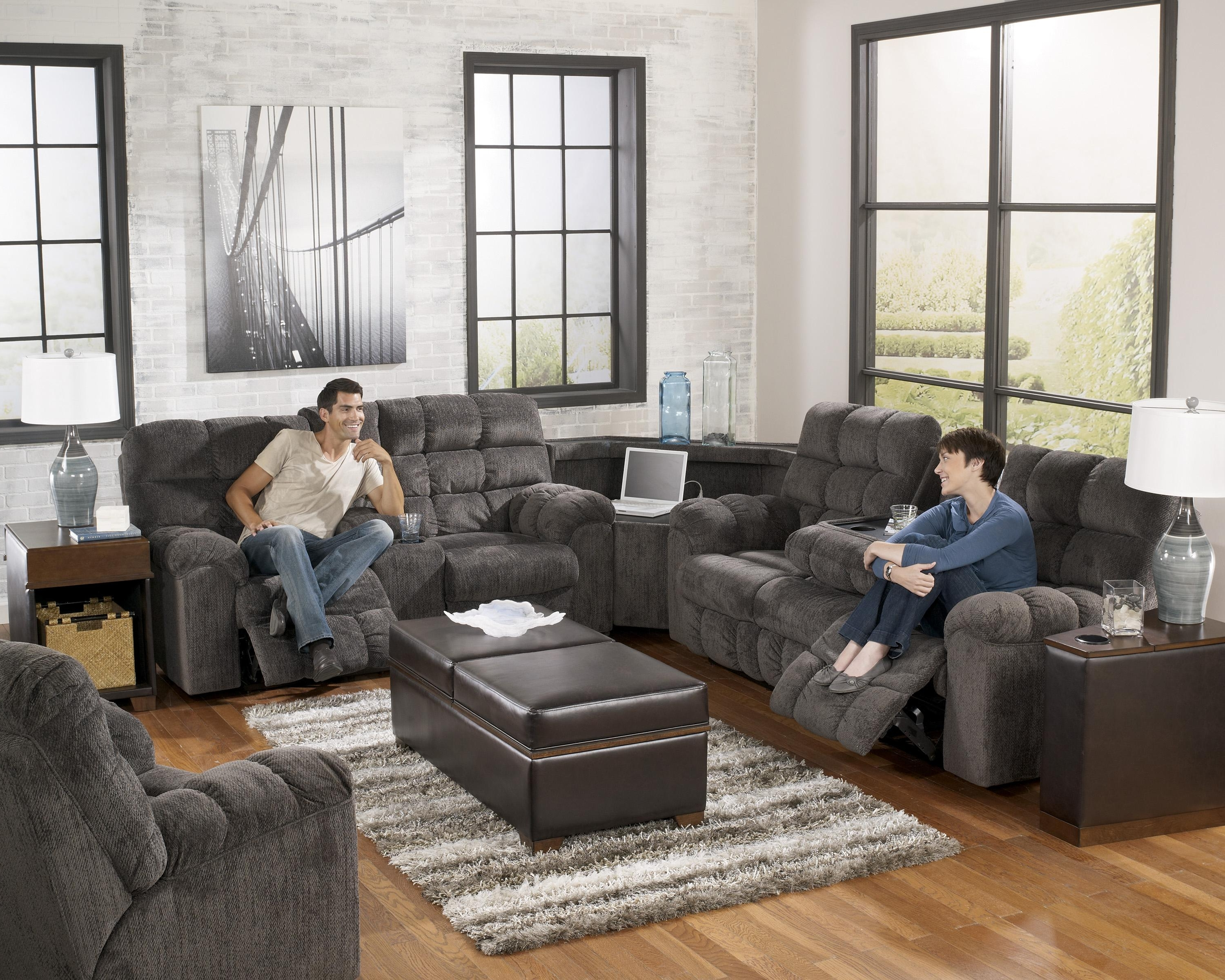 Signature Designashley Addie Reclining Sofa With Drop Down Within Well Known Sofas With Drink Tables (View 20 of 20)