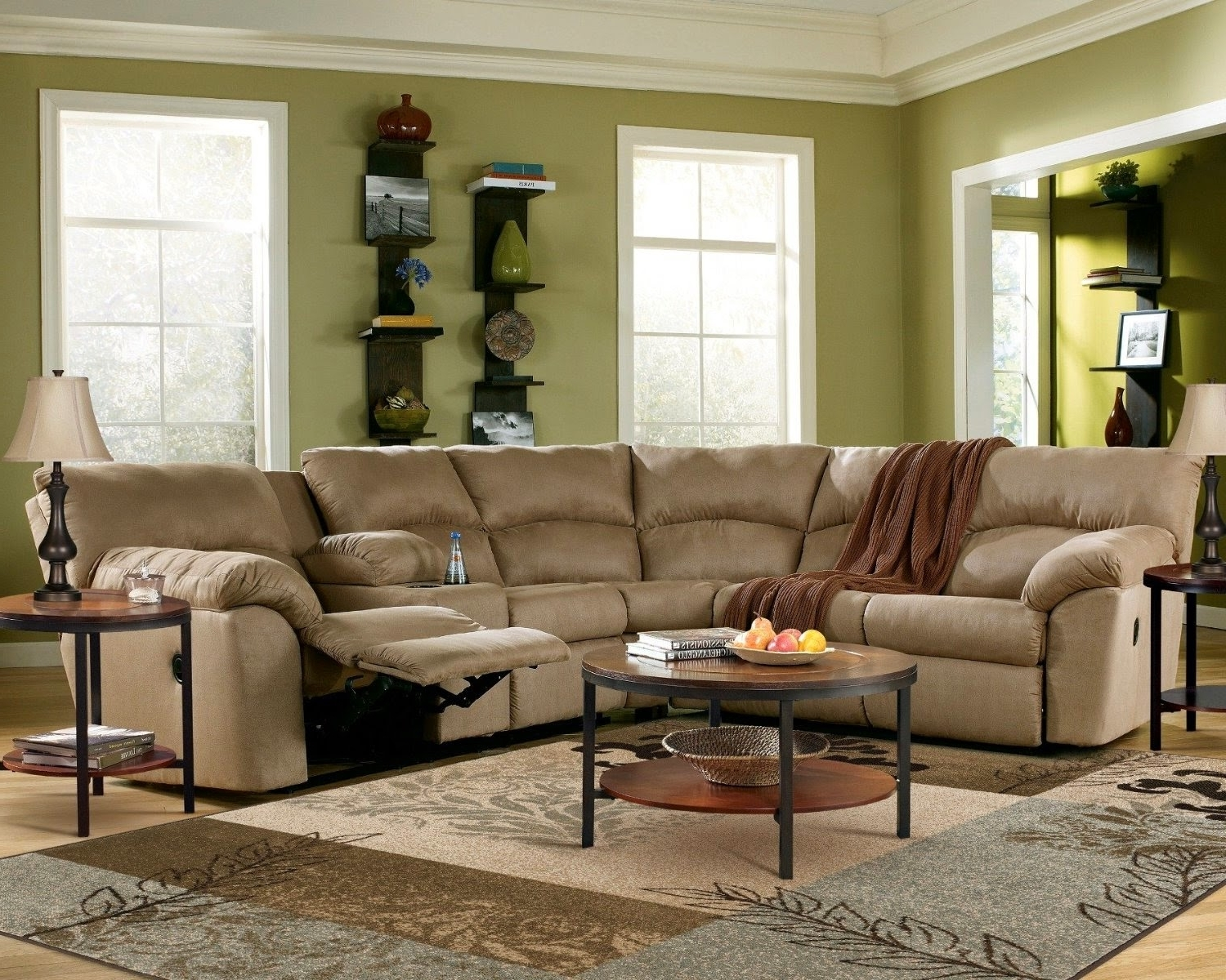 Small Contemporary Recliners Curved Sectional Sofa With Recliners With Newest Curved Sectional Sofas With Recliner (View 6 of 20)