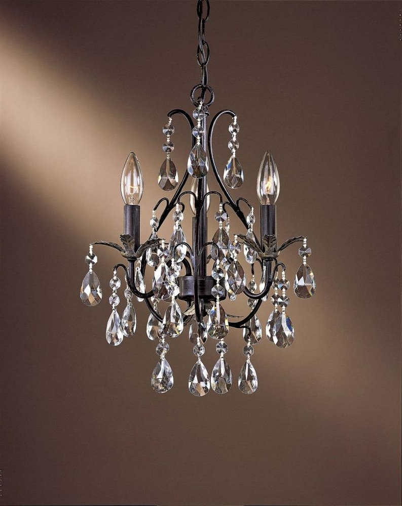 Small Hallway Chandeliers With Regard To 2018 Chandelier (View 8 of 20)