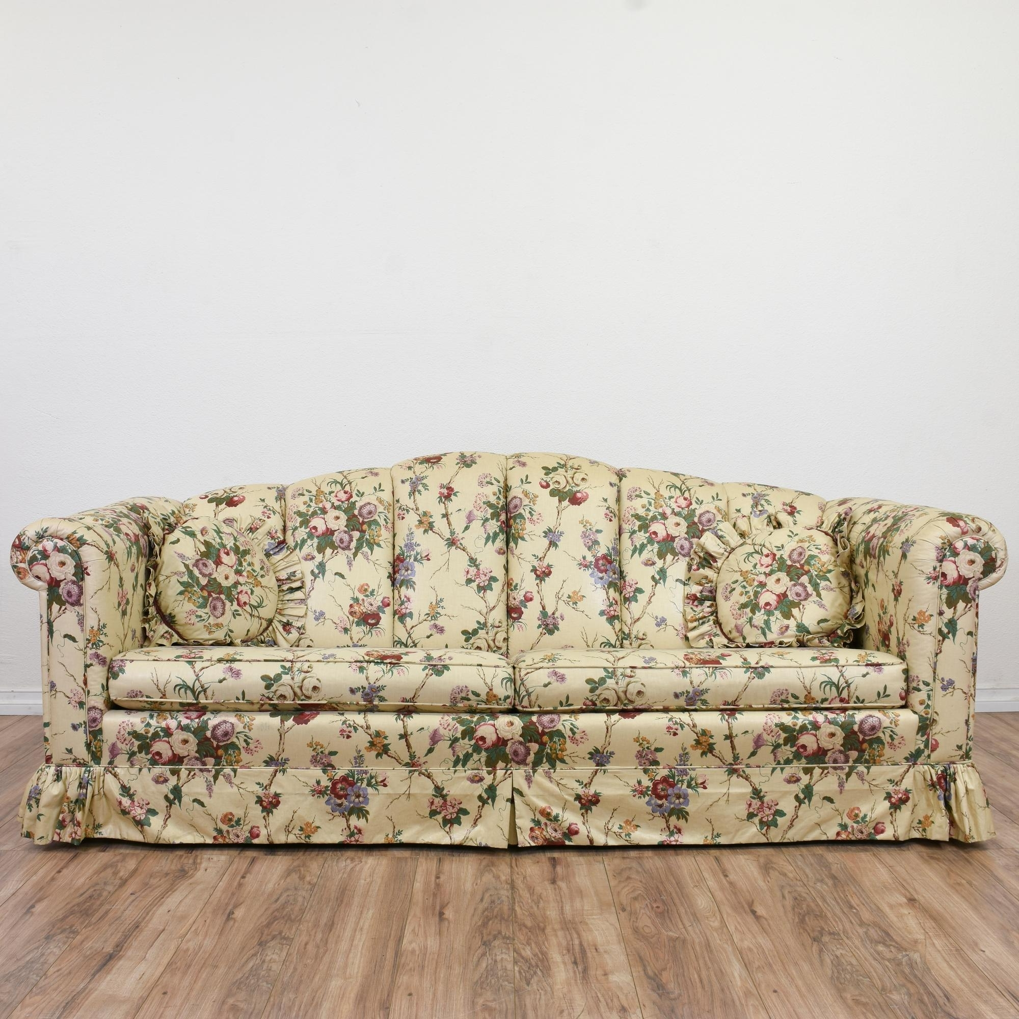 This Sofa Is Upholstered In A Durable Off White Beige, Pink And Regarding 2019 Chintz Covered Sofas (View 2 of 20)