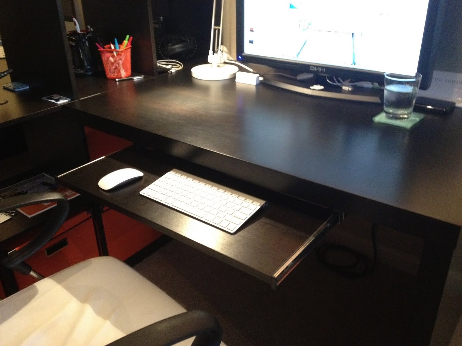 Top 87 Killer Computer Desk With Keyboard Drawer White Drawers With Regard To Most Up To Date Computer Desks With Keyboard Tray (View 13 of 20)