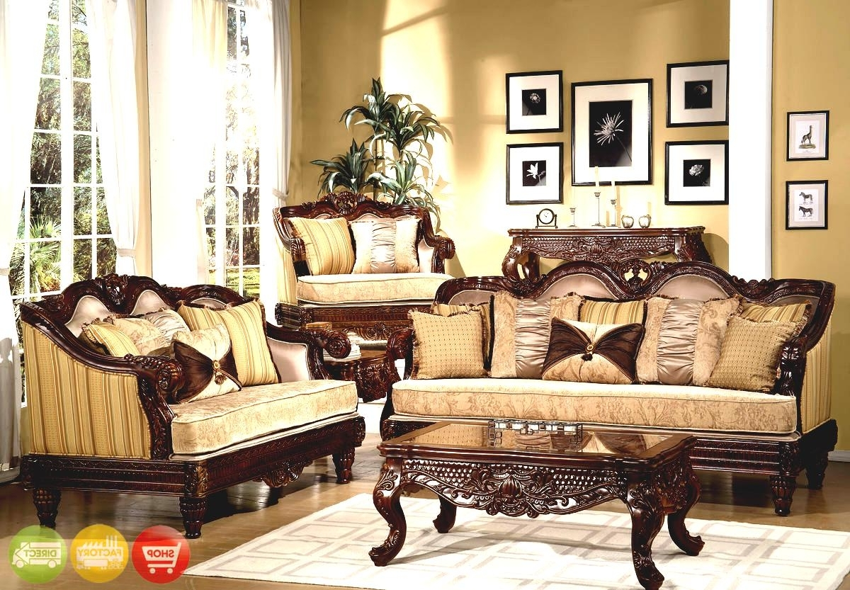 Traditional Formal Dining Room With Pieces Sets In Vintage Style Intended For Most Popular Traditional Sofas And Chairs (View 16 of 20)