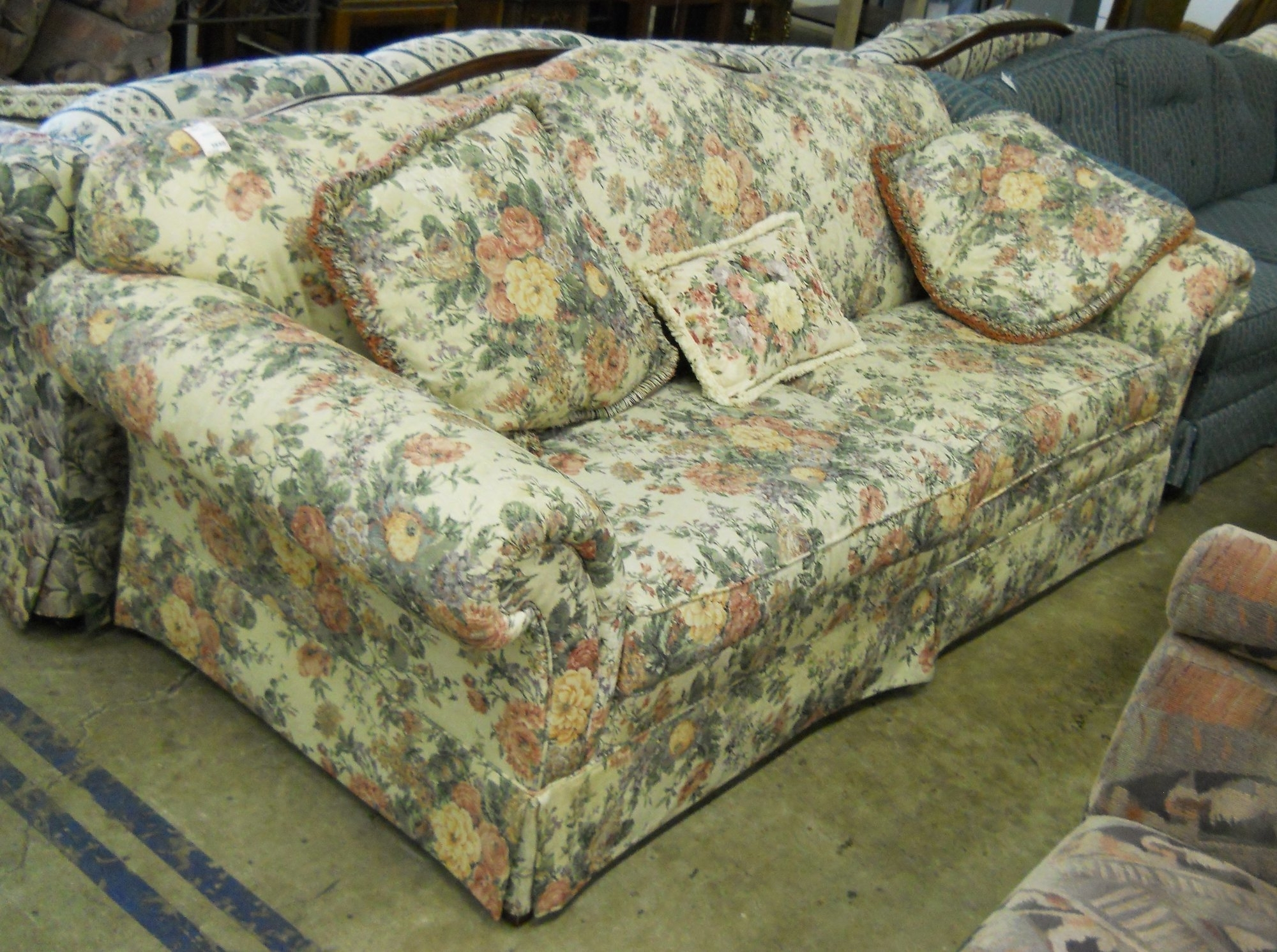 Trendy Chintz Fabric Sofas Inside Blue Chintz Sofa – Spurinteractive (View 18 of 20)