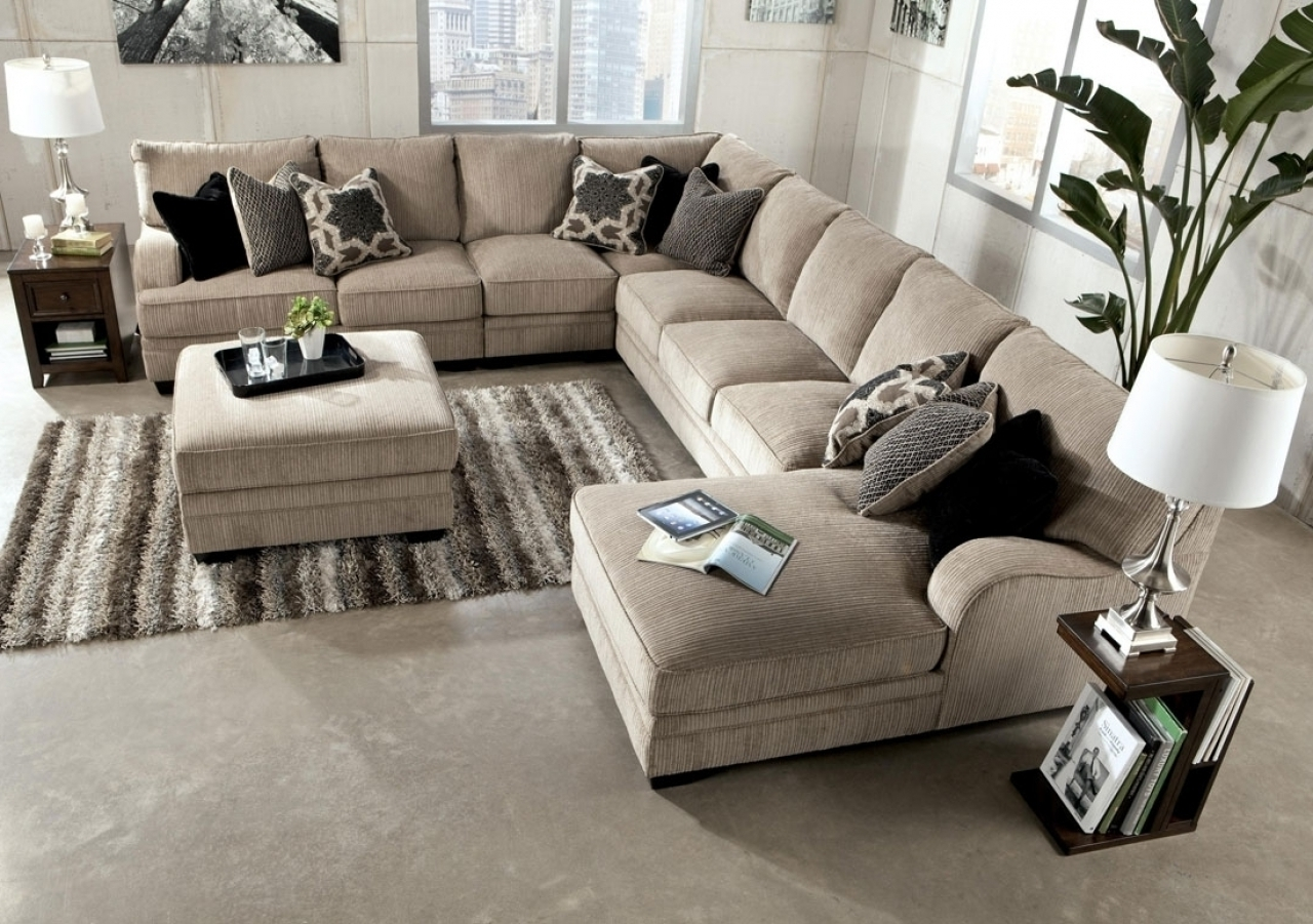 Trendy Large Sectional Sofas Inside Good Large Sectional Sofa With Ottoman 97 For Sofas And Couches (View 11 of 20)