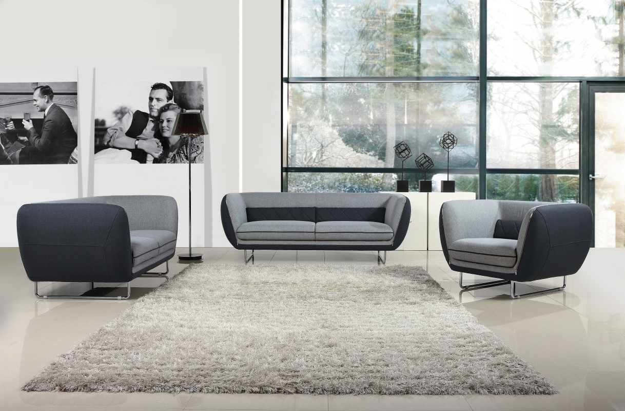 Trendy Long Modern Sofas Regarding How To Decorate A Long, Narrow Room – La Furniture Blog (View 20 of 20)