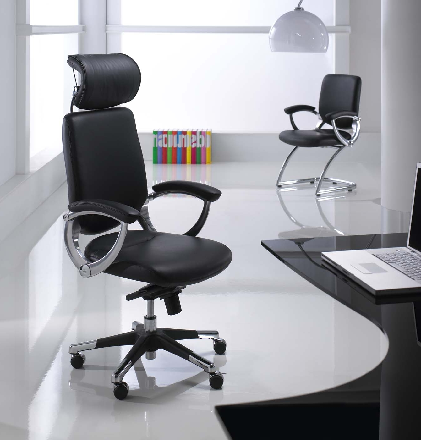 Trendy Modern Executive Office Chairs Regarding Office: Modern Executive Office Chair Combined With Laminated (View 17 of 20)