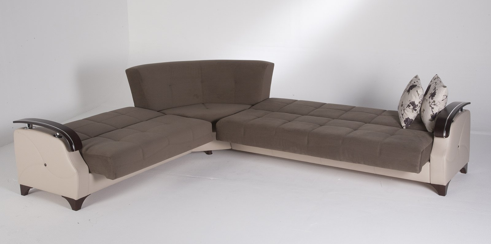Trento Selen Brown Sectional Sofasunset Pertaining To Famous Sectional Sofas With Queen Size Sleeper (View 9 of 20)