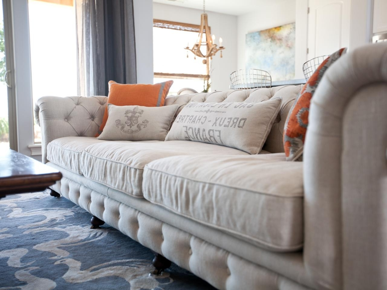 Tufted Linen Sofas Inside Well Known Furniture: White Large Tufted Sofas For Beach Living Room Design (Gallery 20 of 20)