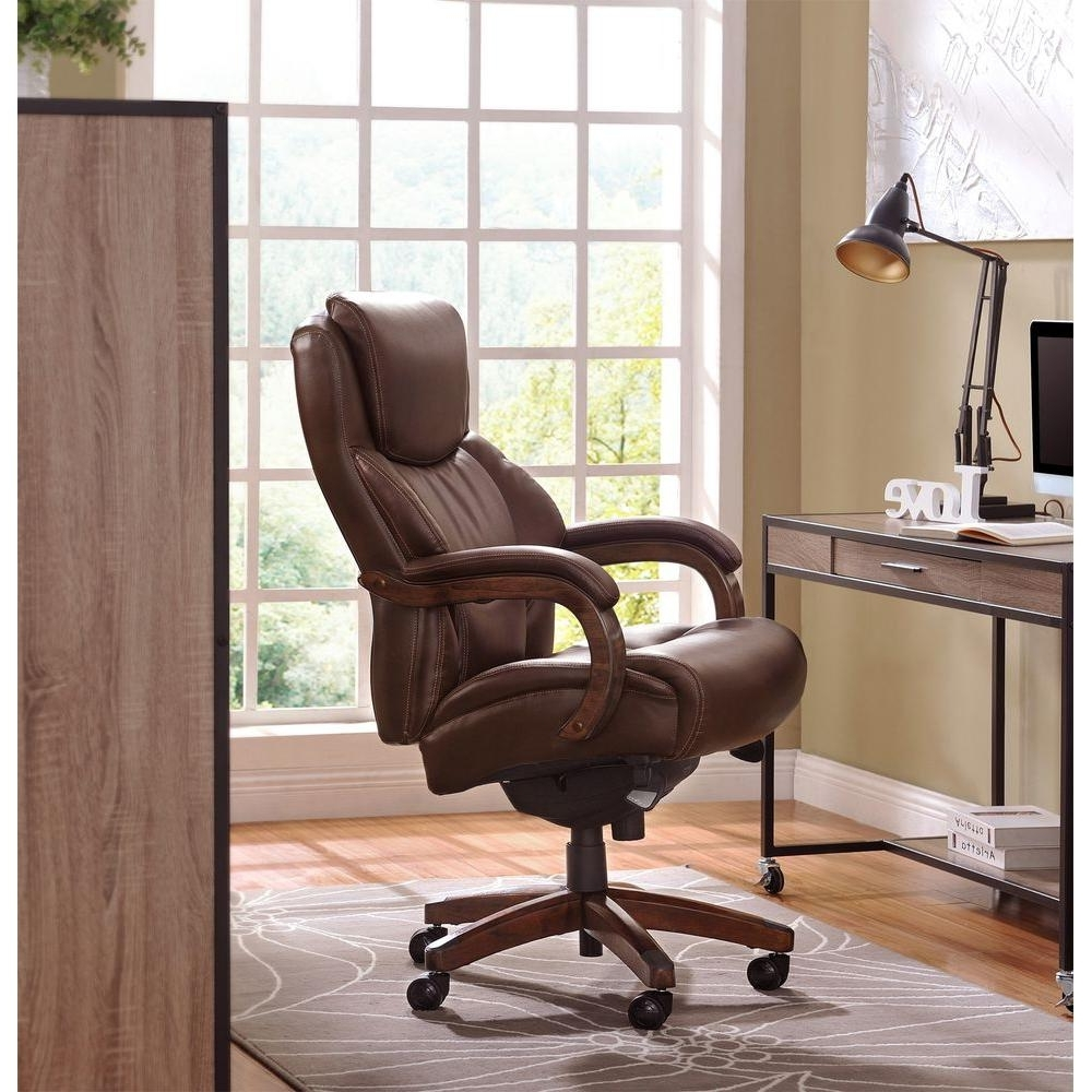 Upholstered Executive Office Chairs Inside Latest La Z Boy Delano Chestnut Brown Bonded Leather Executive Office (View 11 of 20)