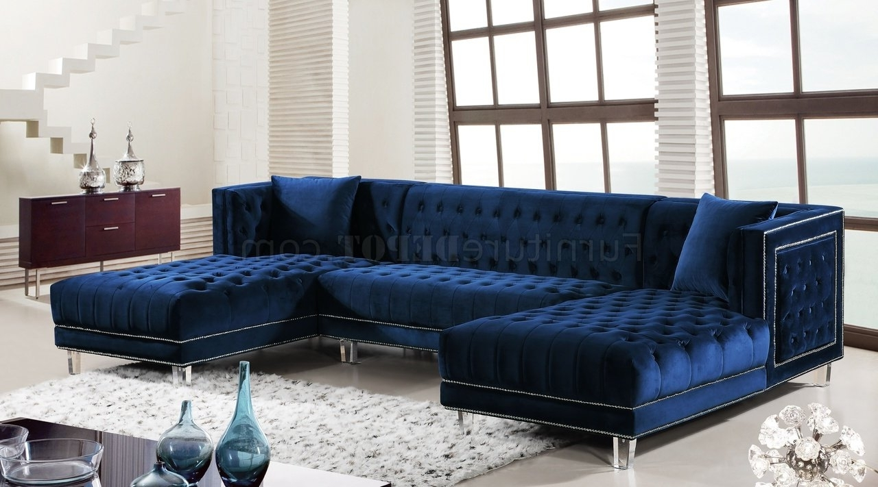 Velvet Sectional Sofas For Newest Moda Sectional Sofa 631 In Navy Velvet Fabricmeridian (Gallery 2 of 20)