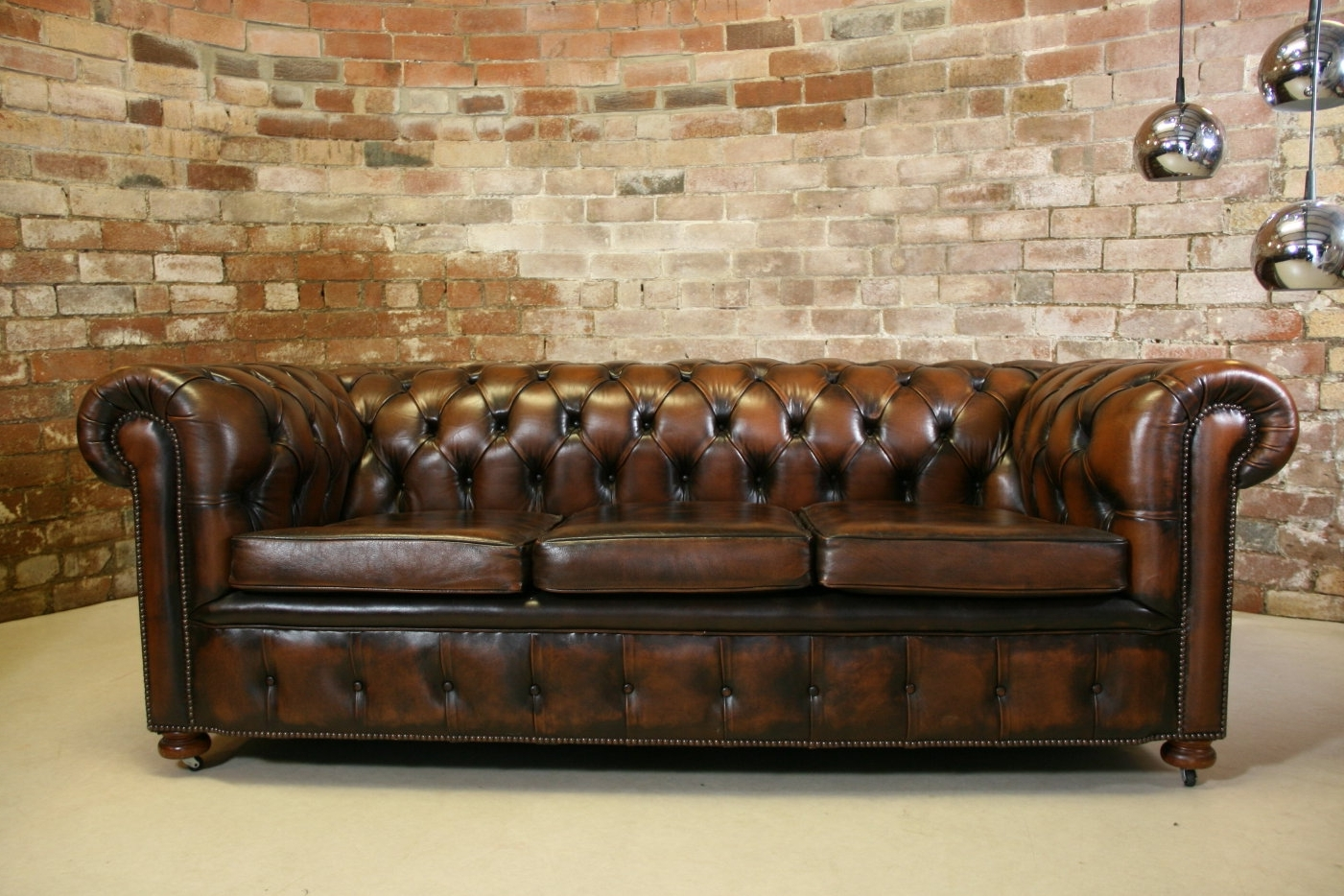 Vintage Chesterfield Sofas With Well Known Leather Chesterfield Sofa — Fabrizio Design : Clean And Bright (View 15 of 20)