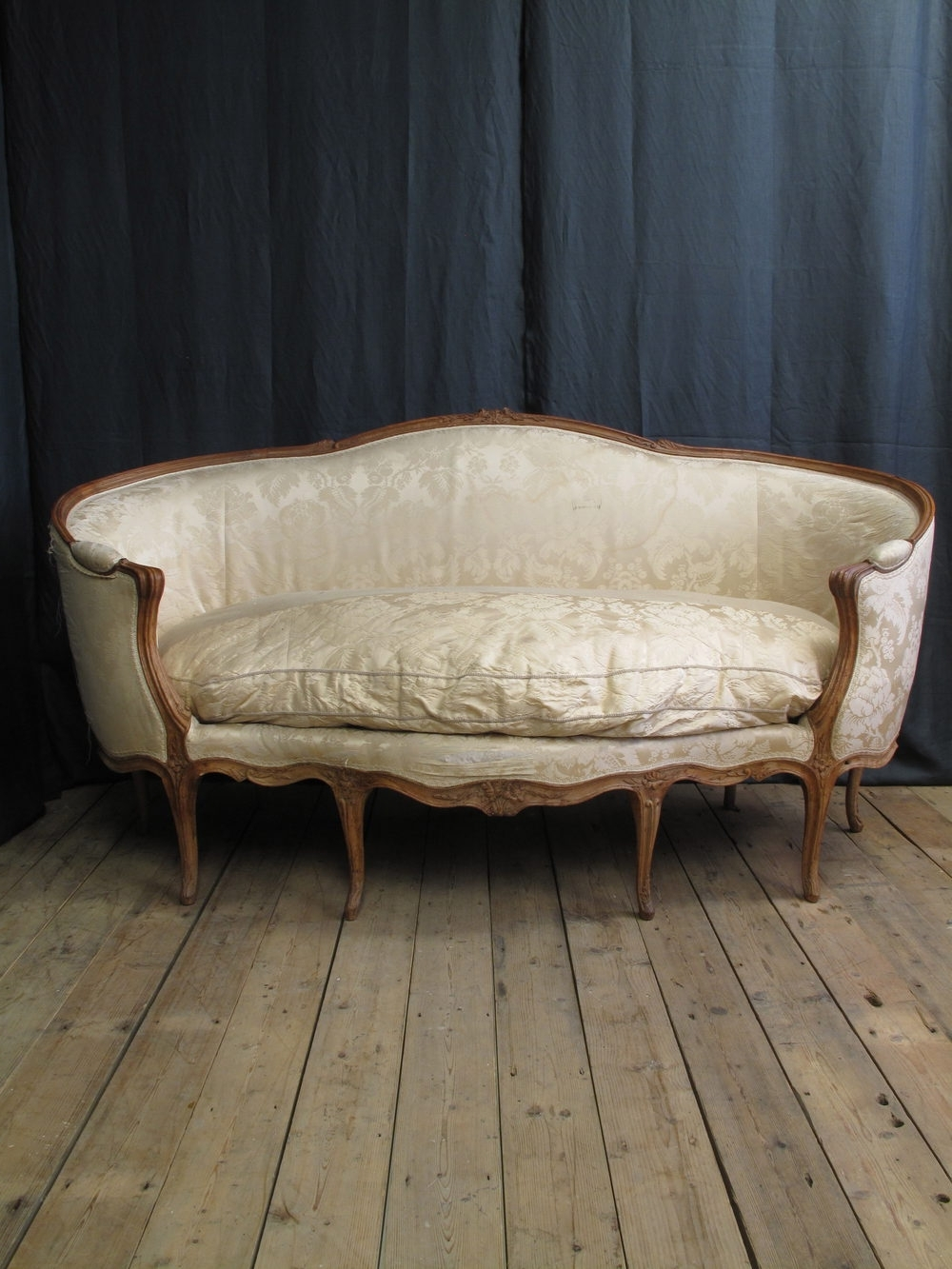 Well Known French Louis Xv Canape Corbeille En Hetre Sofa – Antiques Atlas With Antique Sofas (View 20 of 20)