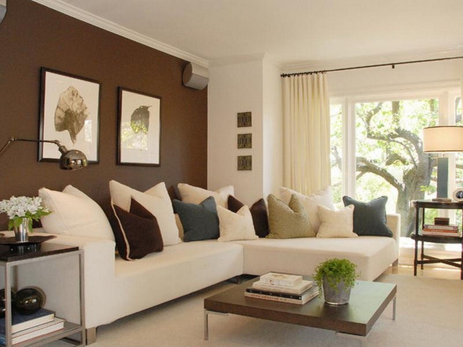 Well Known Living Room: Modern, Classic And Chic For Living Room Ideas With For Sectional Sofas Decorating (View 10 of 20)