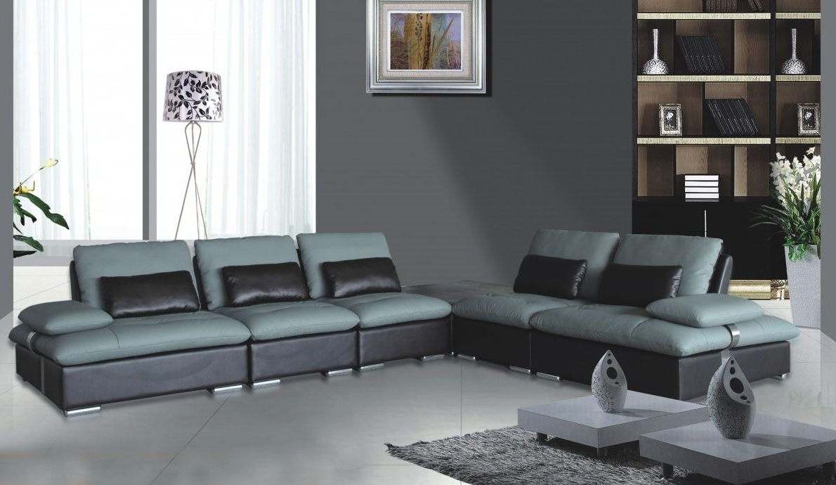 Explore Gallery of Sectional Sofas At Chicago (Showing 15 of ...