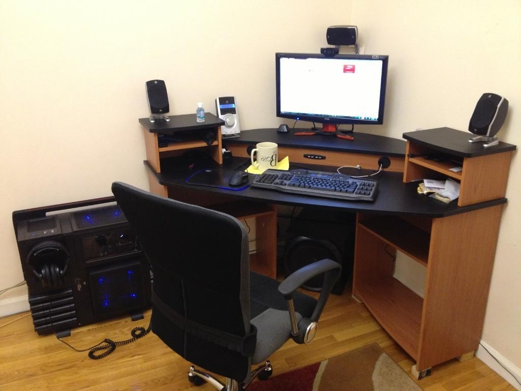Well Liked Citadel Corner Desk Usb Hub (View 20 of 20)