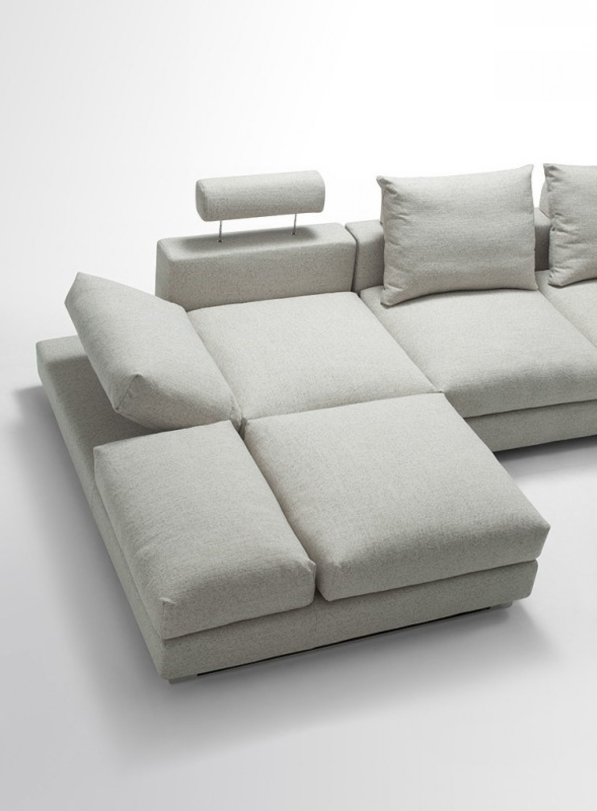 Well Liked Divani Casa Vasto – Modern Fabric Sectional Sofa With Down Feather In Down Feather Sectional Sofas (View 12 of 20)