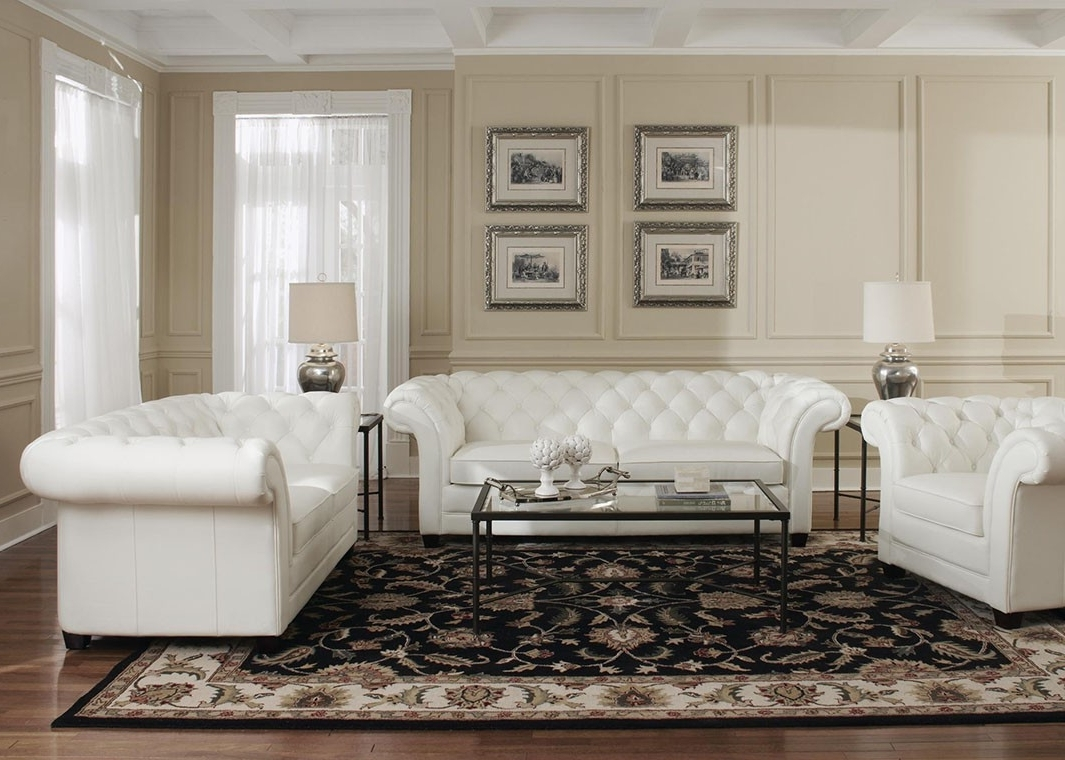 White Leather Victoria Collection Split Loveseat Throughout Current Tufted Leather Chesterfield Sofas (View 19 of 20)