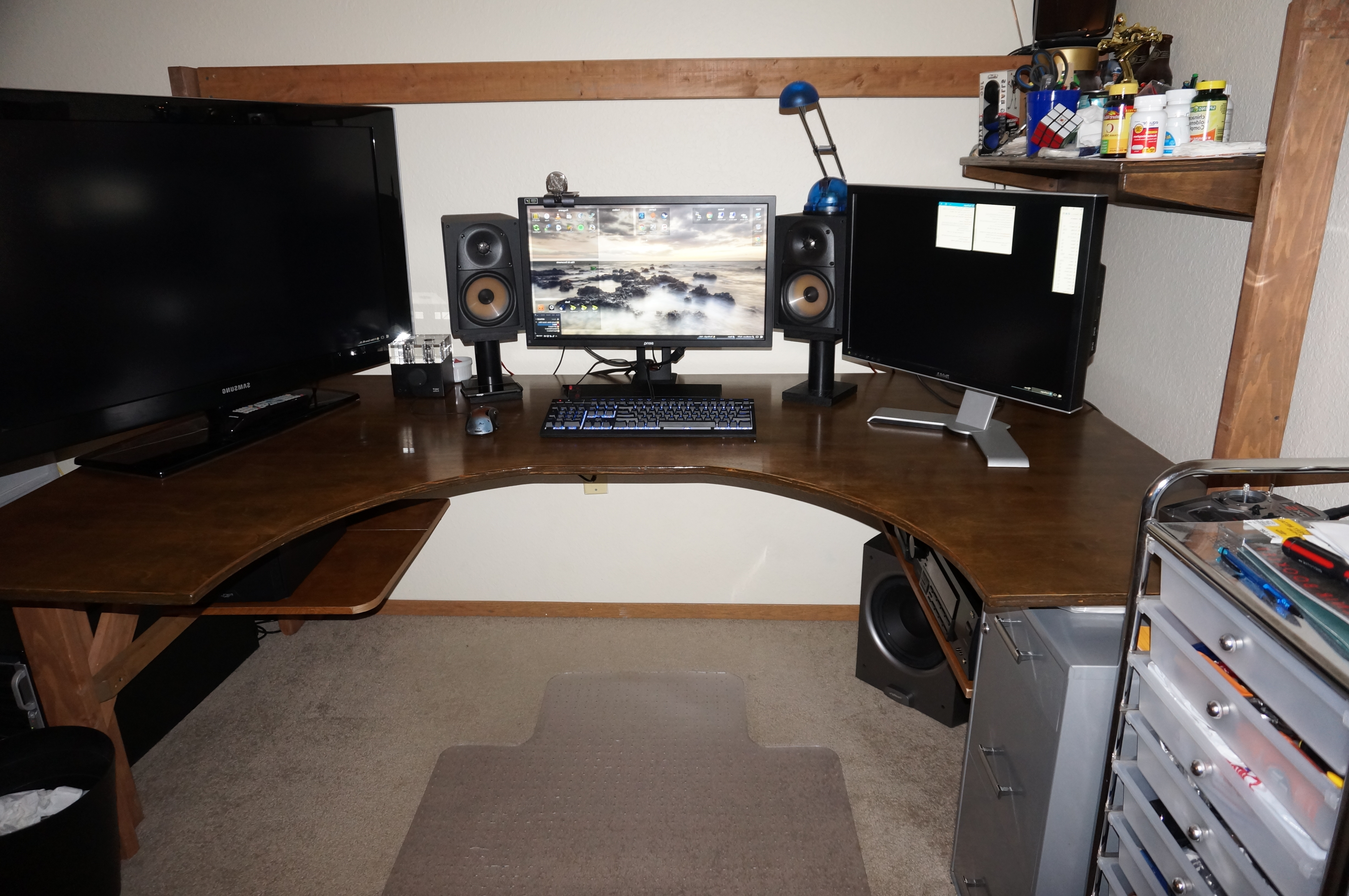 Widely Used Computer Desk Suggestions : Buildapc For Computer Desks For 3 Monitors (View 10 of 20)
