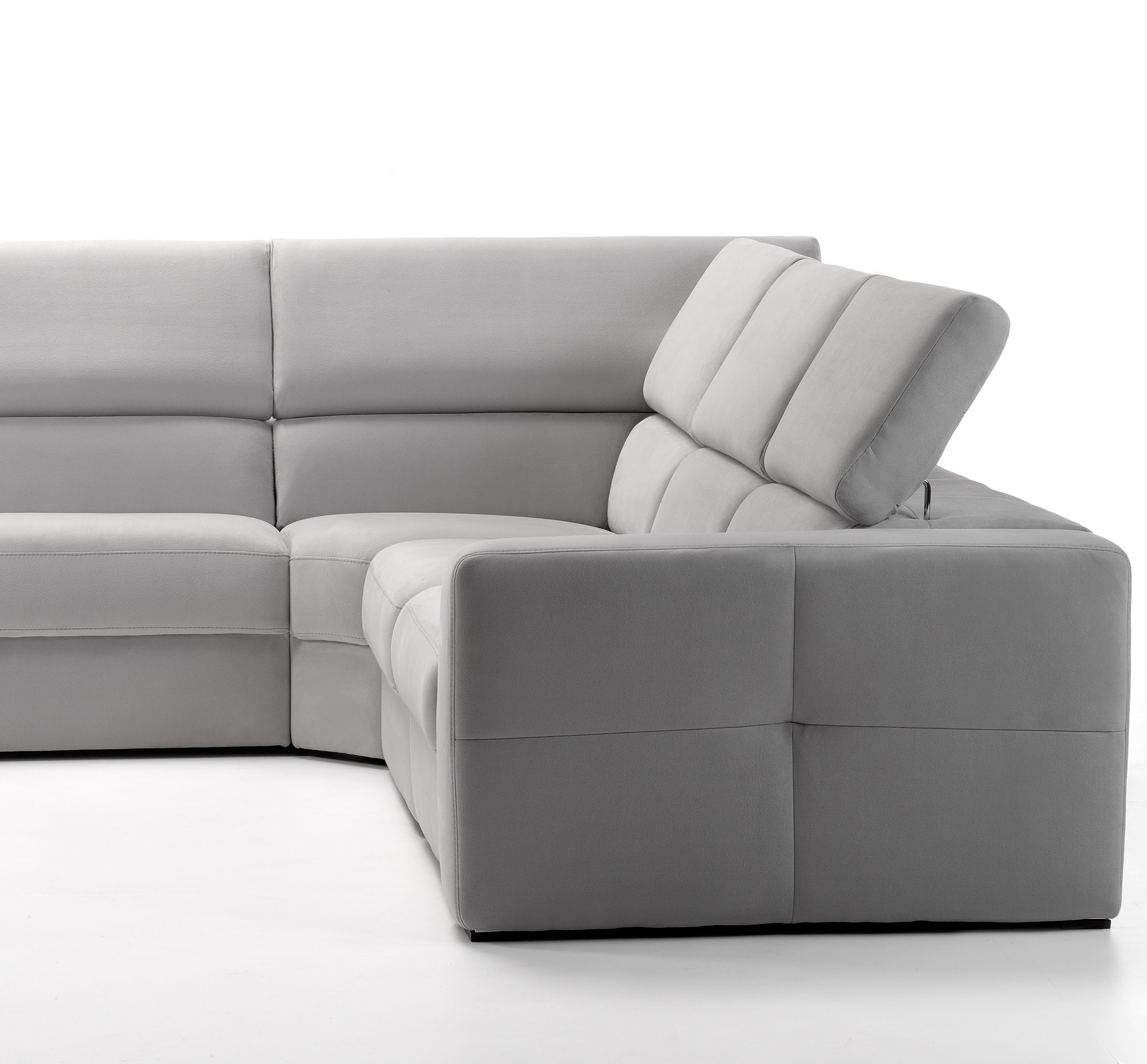 Widely Used Themis Sectional With Recliner – Rom – Italmoda Furniture Store In Nashua Nh Sectional Sofas (View 17 of 20)