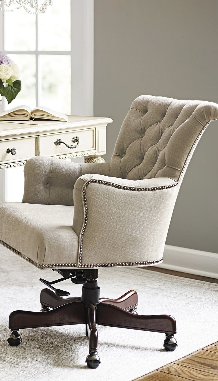Featured Photo of Upholstered Executive Office Chairs