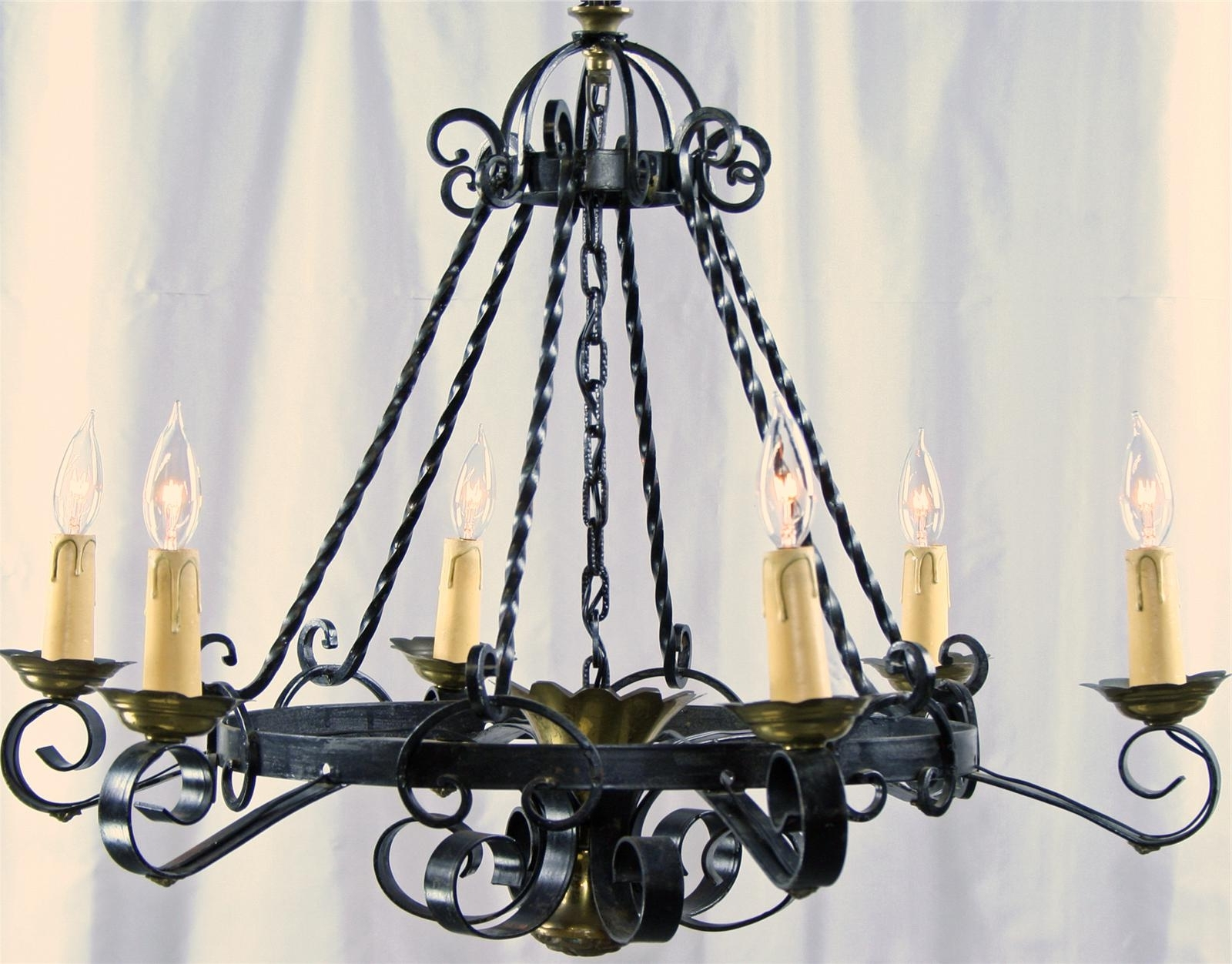 2019 Light : Chandelier In Spanish Lyrics Toerchandelier Lyricschandler In Cast Iron Chandelier (View 5 of 20)