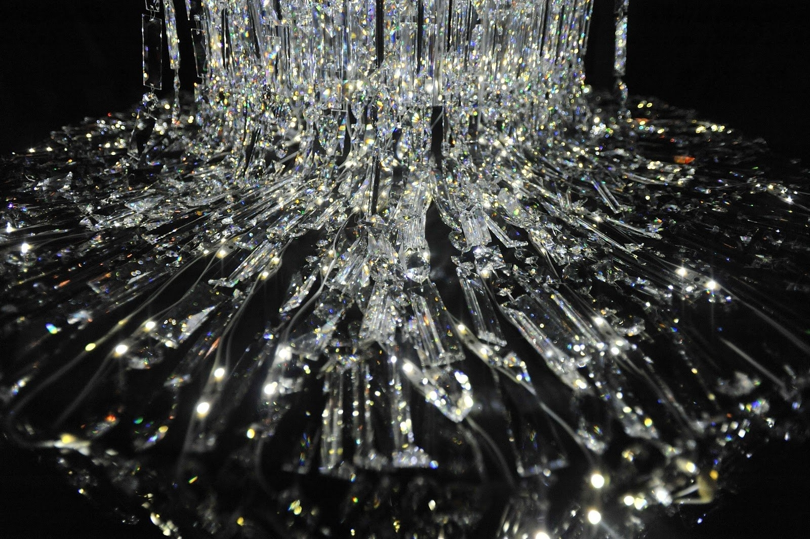 """Am6000b: Long Cascade """"ginza""""tokujin Yoshioka Flowing Led Within Famous Crystal Waterfall Chandelier (View 19 of 20)"""